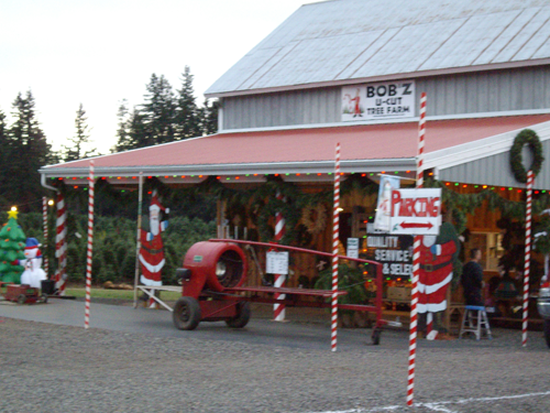 Outdoor shop of Bob'z U-cut tree farm.